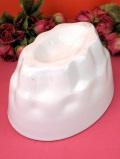 1930年代:ずっしりと重いストーンウエアの大きな白い陶器のアンティークモールド
