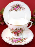 <Mapfair>薔薇のお花のブーケ♪たっぷりとした金彩も美しい優雅なトリオ