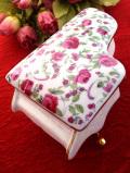 <英国ビンテージ>音楽が聞こえてきそう♪たくさんの薔薇が咲いたグランドピアノのポーセリンBOX