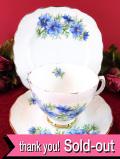 <Colclough>1940年代:コーンフラワーの青いお花たち♪金彩も美しい優雅なフォルムのトリオ