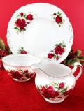 <Colclough>真紅のバラたち♪金彩が優雅に輝くミルクジャグ&シュガーボウル&サンドイッチプレート「3点セット」