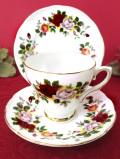 <ロイヤルサザーランド>1960年代♪英国カントリーサイドに咲く華やかなバラたちのロマンチックなトリオ