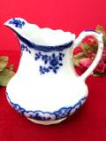 1910年代:エドワーディアン時代♪英国ブルー&ホワイトのぽったりとした陶器のウォータージャグ