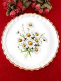 1940年代:白いデイジーのお花たち♪ずっしりと重たい英国ストーンウェアの大きなパイ皿