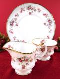 <Elizabethan>「ROSAMUND」可憐なつるバラ♪金彩のぼかしが優雅なミルクジャグ&シュガーボウル&ブレッドプレート「3点セット」