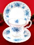 <ロイヤル・アルバート>「WINDSOR ROSE」♪英国王室の離宮ウインザー城の青いバラのトリオ