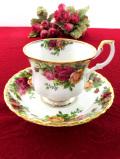 <ロイヤルアルバート>「OLD COUNTRY ROSE」オールドカントリーローズ♪美しいバラと22カラットゴールドのカップ&ソーサー