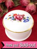 <英国ミッドセンチュリー>英国カントリーサイドのお花たち♪愛らしいポーセリンBOX