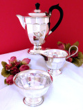 <英国銀器>1930年代:優雅な銀細工♪ヴィクトリアンスタイルの美しいティーセット「3点セット」