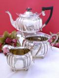 <英国銀器>1930年代:優雅なヴィクトリアンデザイン♪素晴らしい銀細工のティーサービス「3点セット」