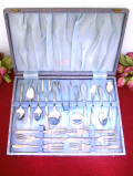<英国ビンテージ>1950年代:お花模様の銀細工♪シルバープレートのデザートカトラリー「17本セット:お箱付」