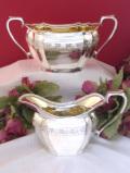 <英国銀器>1930年代:優雅なお花な銀細工♪ヴィクトリアンスタイルが美しい大きなミルクジャグ&シュガーボウル「2点セット」