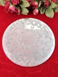 <英国銀器>優雅な植物模様のヴィクトリアンデザイン♪銀細工がきれいなシルバープレートのテーブルマット