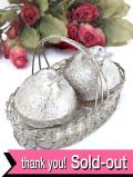 <英国銀器>バスケットの中の愛らしい野鳥さん♪銀細工がきれいなシルバープレートのソルト&ペッパーボトル