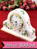 【30日間保証付】<ウェッジウッド>愛らしいイチゴたち♪「WILD STRAWBERRY」の優雅で大きな陶器の置時計