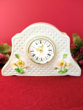 【30日間保証付】<アイルランド製>立体的な陶器細工のお花たち♪素晴らしく美しい陶器の置時計