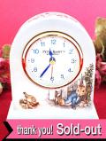 【30日間保証付:ウェッジウッド】「ピーターラビット」♪英国の愛らしいウサギさんの大きな陶器の置時計