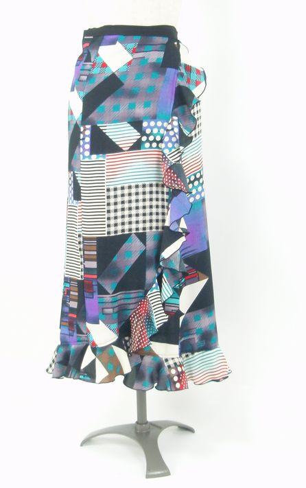 ★セール★巻きスカート★黒×ブルー・グリーンパッチワーク柄 フリーサイズ