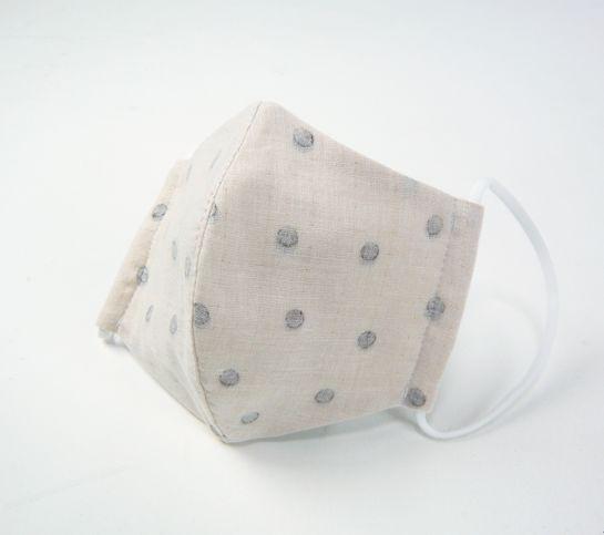 ●立体布マスク(ガーゼ) 薄いベージュ地こげ茶水玉 女性用