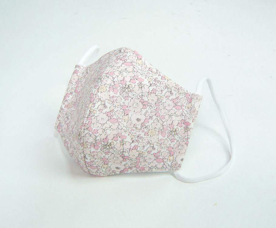 夏マスク●接触冷感生地使用●立体布マスク  リバティ ピンク系花柄(ベッツィアン) 女性用