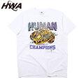 HWA VICTORY SS TEE HUMAN WITH ATTITUDE ヒューマンウィズアティチュード 半袖 Tシャツ (2色展開)