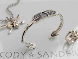 【直輸入純正品】 CODY SANDERSON コディサンダーソン 02-0456 オポージング・アローズ・ブレスレット