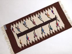 【限定生産デザイン&カラー】  Ortega's オルテガ 841530-126 手織りチマヨブランケット 38x76cm 『トゥリー・オブ・ライフ』 ミディアムブラウン ※動画あり