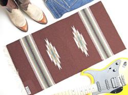 【限定生産カラー】  Ortega's オルテガ 841530-143 手織りチマヨブランケット 38x76cm ミディアムブラウン