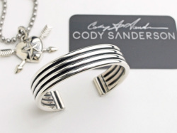 【直輸入純正品】 CODY SANDERSON コディサンダーソン 02-0439 ヘビーゲージ・4ラウンドワイヤー・プレーンエッジ・ブレスレット