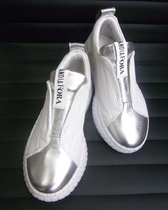 【 DOVER Shoes 】 スリッポンスニーカー ホワイト×シルバー