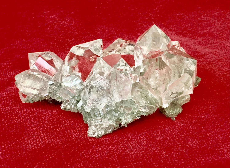 最高級マニハール水晶クラスター 359g (ヒマラヤ水晶)