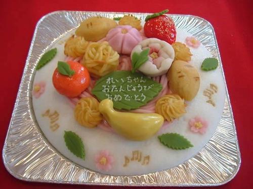 和菓子のデコレーションケーキ