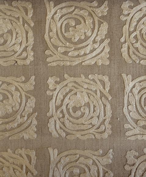 Pure Scroll Embroidery236613  136cmx1M以上10cm単位でカット販売 (海外取寄せ)