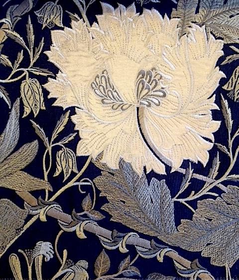 Pure Honeysuckle & Tulip Embroidery236632 129cmx1Mカットクロス(海外取寄せ)