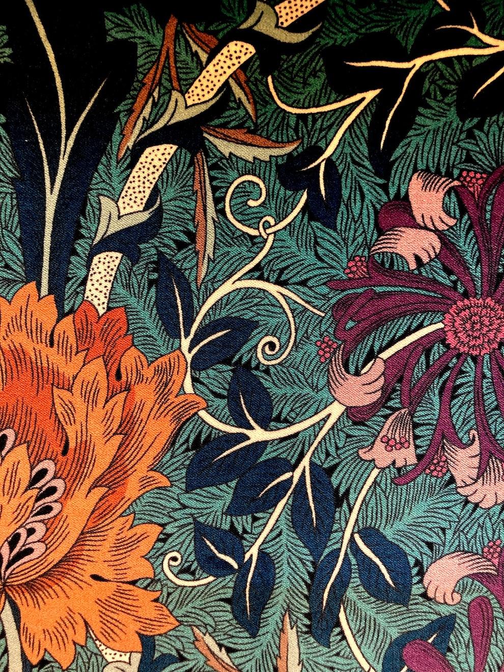 "W.モリス ベルベットプリントコレクション""Honeysuckle&Tulip Velvet236940 133cmx1m以上10cm単位でカット販売 (海外取寄せ)"