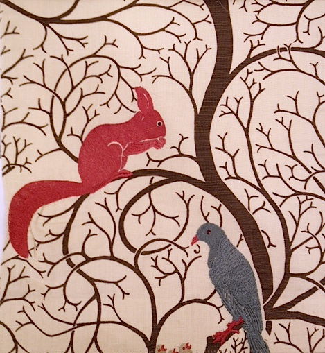 Squirrel and dove embroidery302 143cmx60cmカットクロス(海外取寄せ) 会員登録+2枚以上でさらに5%OFF!