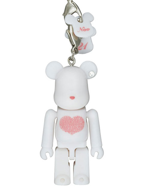 Happy BE@RBRICK INTERNATIONAL LOVE HEART ホワイトVer. 70% ベアブリック