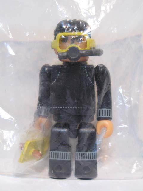 KUBRICK グリコマンとビスコ君 グリコマン ダイバー ウェットスーツ黒Ver.