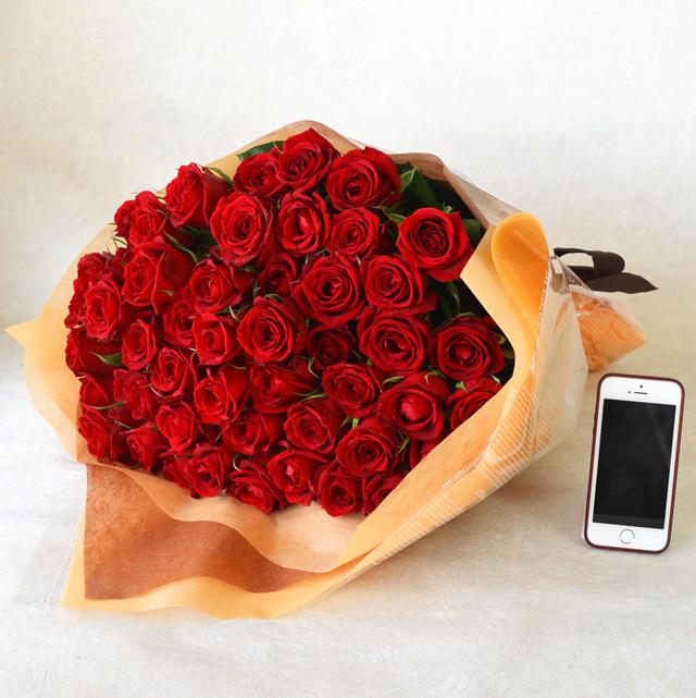 バラの花束 50本 赤系