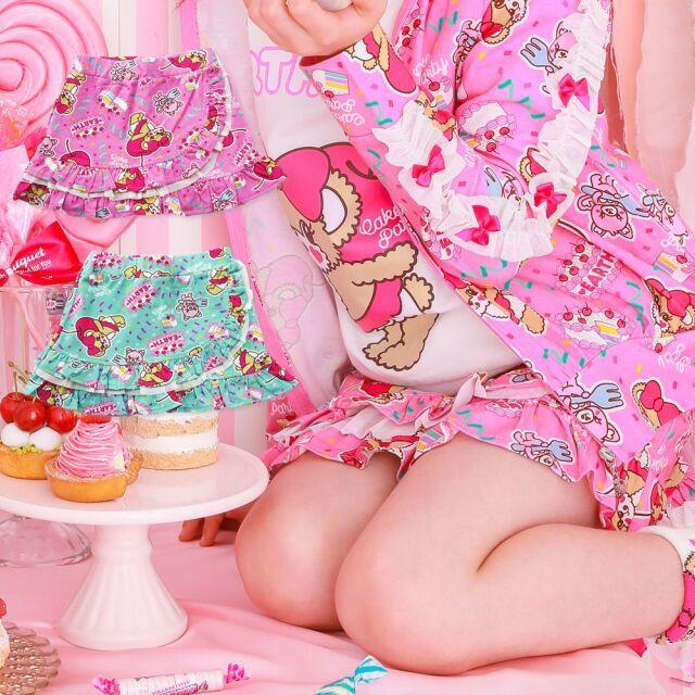 【30%OFFセール】 EARTHMAGIC(アースマジック) ケーキパーティー総柄スカート(インナーパンツ付き)