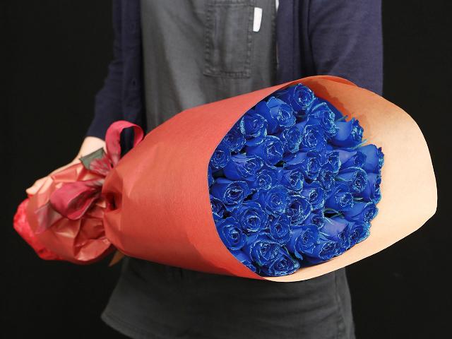 51本の煌薔薇の花束~きらきら輝くバラの宝石(花言葉カード付き) 【送料一律1800円(※一部地域を除く)】