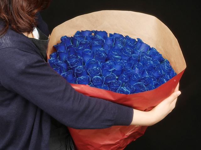 88本の煌薔薇の花束~きらきら輝くバラの宝石(花言葉カード付き) 【送料一律1800円(※一部地域を除く)】
