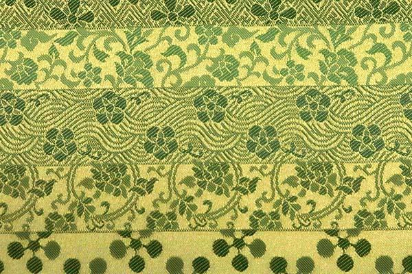 金襴などの手芸材料 日本の伝統 古代錦 緑・ベージュ系