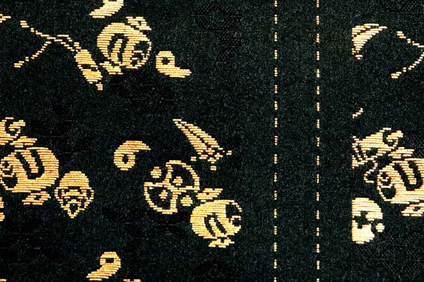 金襴などの手芸材料 日本の伝統 宝尽くし 黒×金