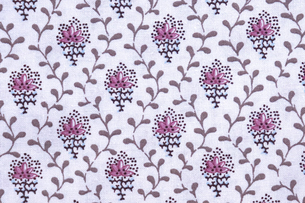 SOULEIADO ソレイアードの生地 プチ・フルール デ シャン 可愛い小花柄 オフ地に赤紫の花弁