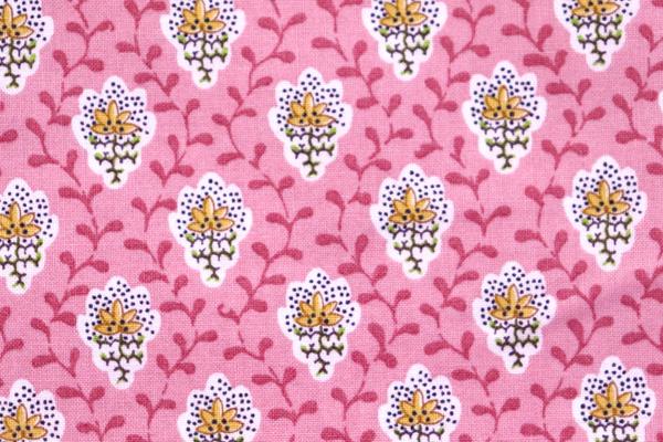 SOULEIADO ソレイアードの生地 プチ・フルール デ シャン 可愛い小花柄 ピンク地に黄色の花弁