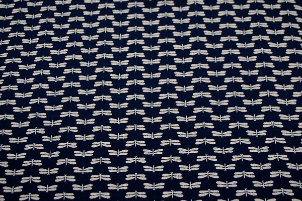 むら糸 和柄生地 和布 藍染風の伝統的な和風生地 とんぼ