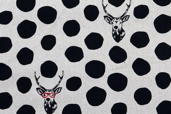 ハーフリネンキャンバス エチノ Sambar(鹿と水玉) 生成×ブラック