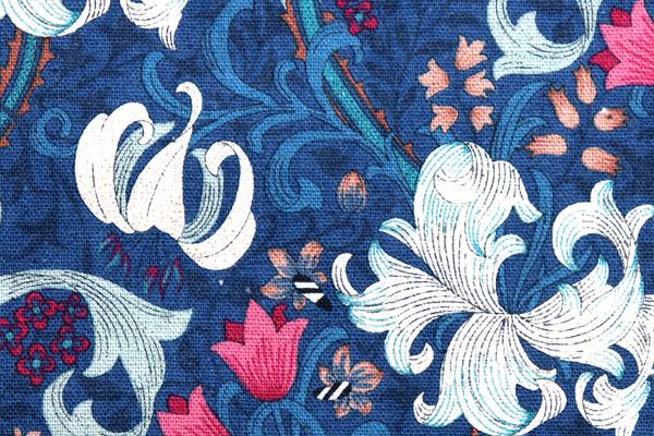 YUWAの綿麻キャンバス オリエンタルフラワー プルシャンブルー