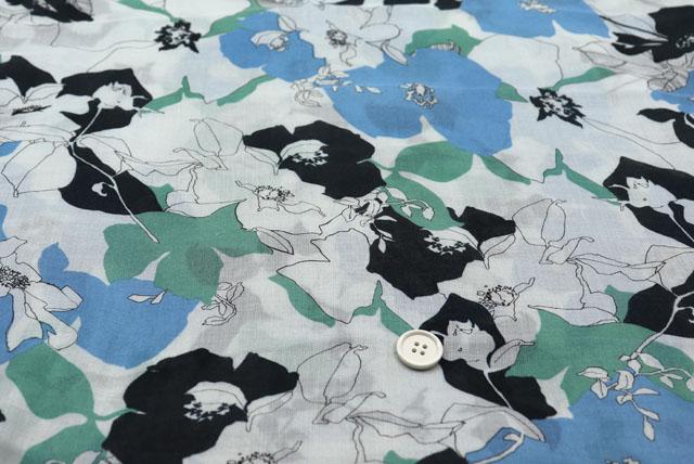 シルクモダールガーゼプリント服地 オフ白地×ブルー・グレイ・黒 【50cm単位】 (4150-89)